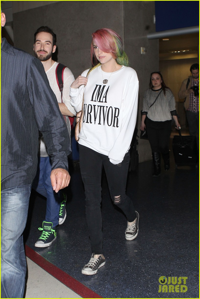 kesha steps out with rainbow hair rehab 10