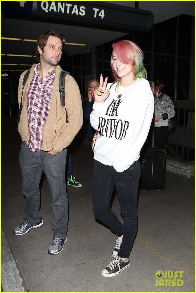 kesha steps out with rainbow hair rehab 12