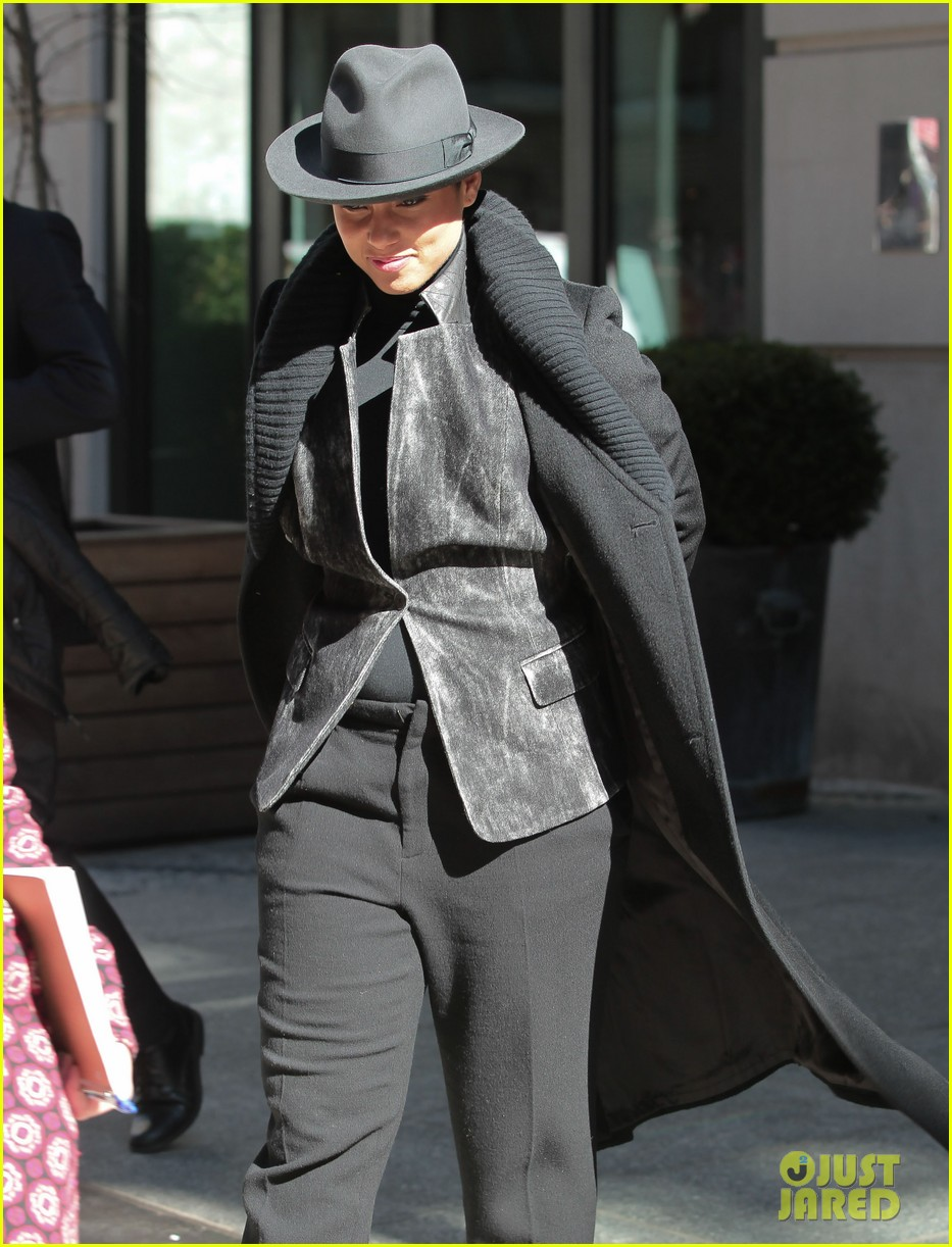 alicia keys recording song its on again for spider man 2 soundtrack 07