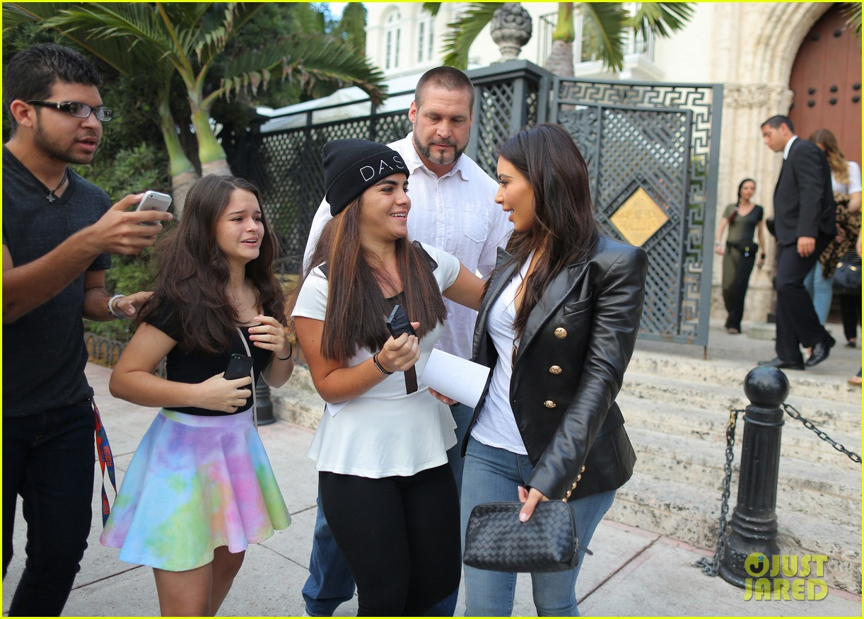 kim kardashian greets lucky fans camped out to meet her 043071085