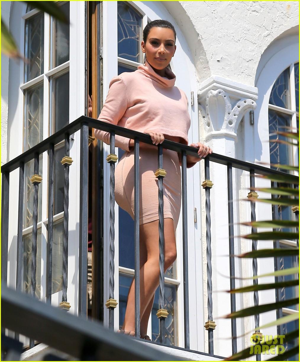 kim kardashian hits miami before dash grand opening 01