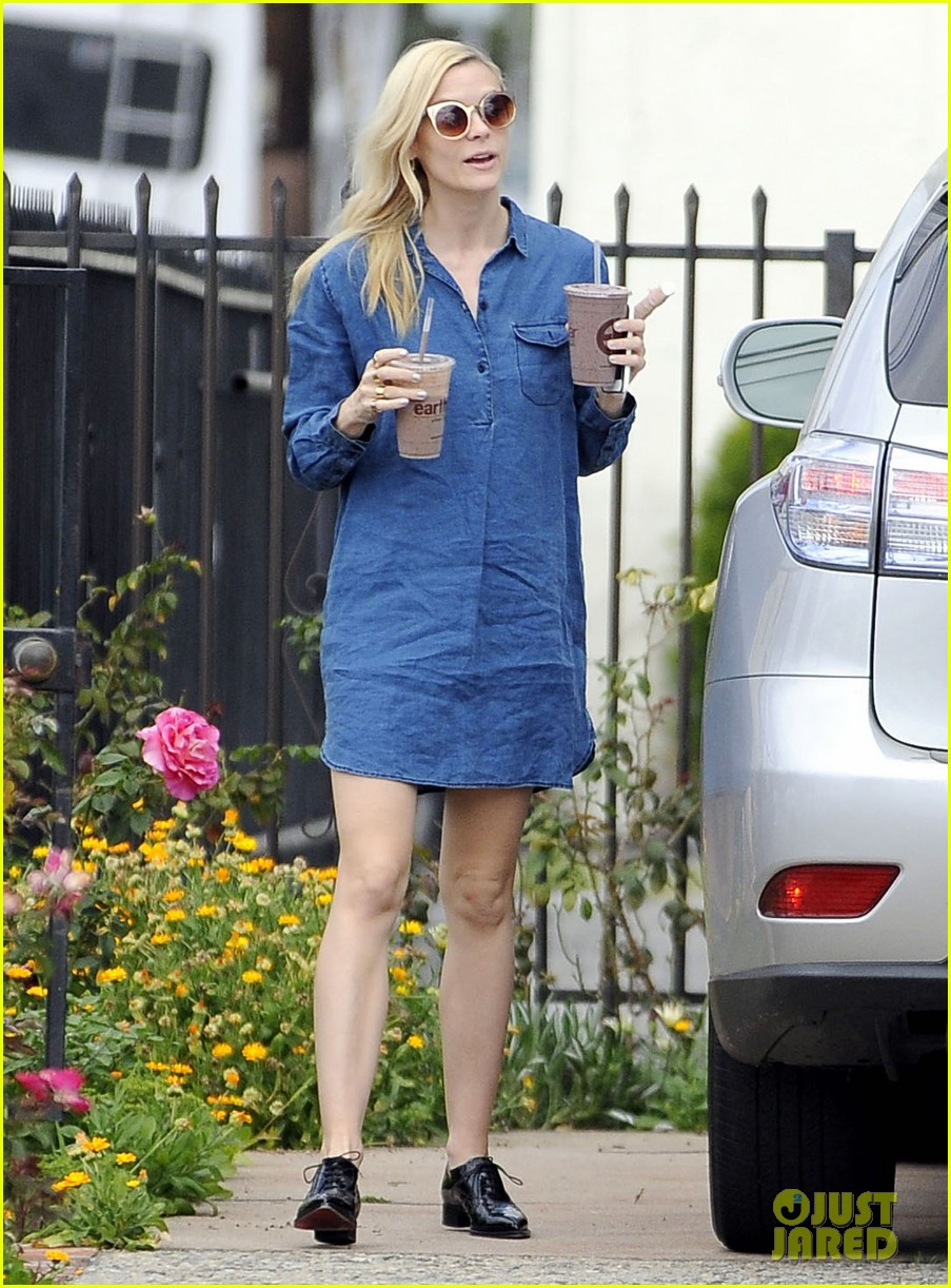 jaime king goes for an all denim look in weho 063077052