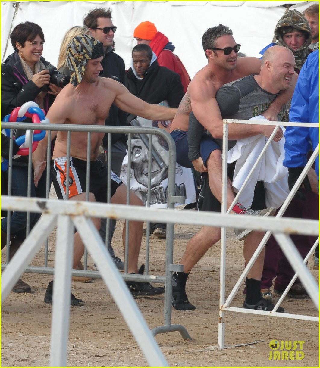 taylor kinney goes shirtless for polar plunge in chicago 03