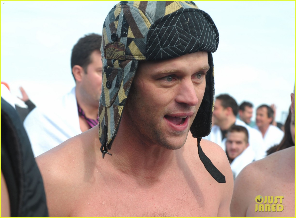 taylor kinney goes shirtless for polar plunge in chicago 09