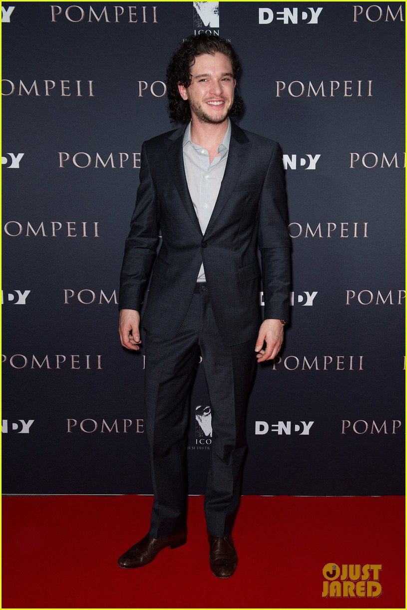 kit harington nicolaj coster waldau make us swoon at pompeii sydney premiere 05