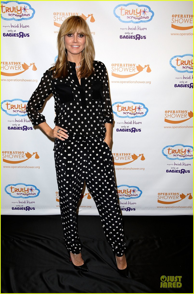 heidi klum is a polkadot sheer host at babies event 063066116