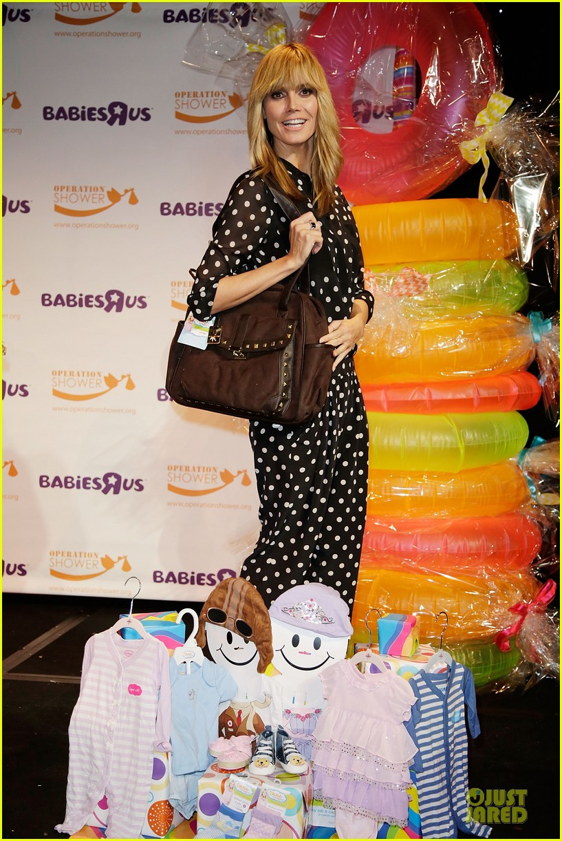 heidi klum is a polkadot sheer host at babies event 08