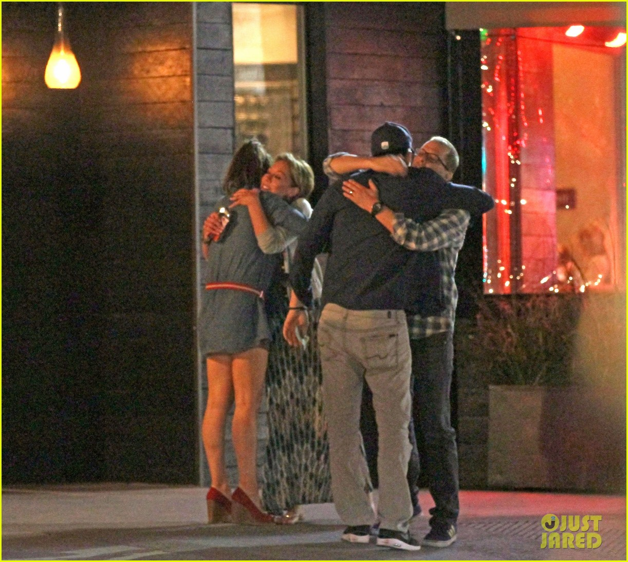 mila kunis ashton kutcher studio city double date 05