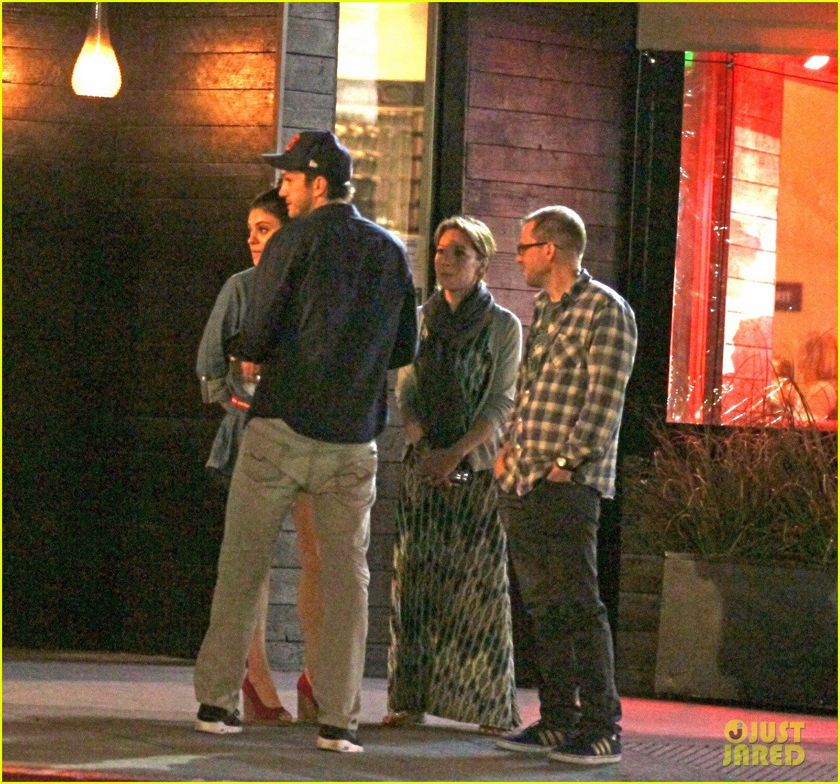 mila kunis ashton kutcher studio city double date 06