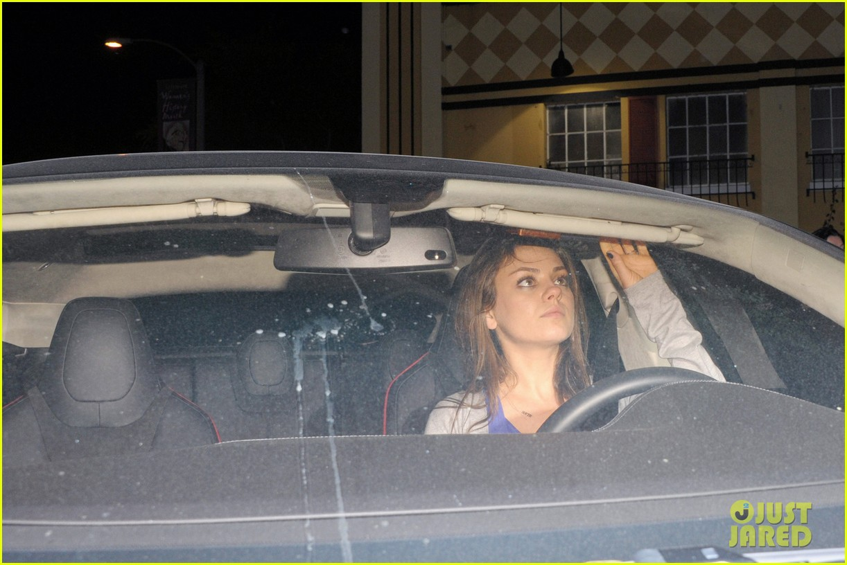 ashton kutcher parties at sxsw mila kunis flashes engagement ring at dinner 05
