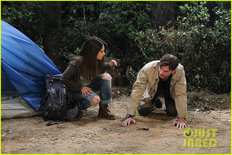 mila kunis ashton kutcher two half men stills 08