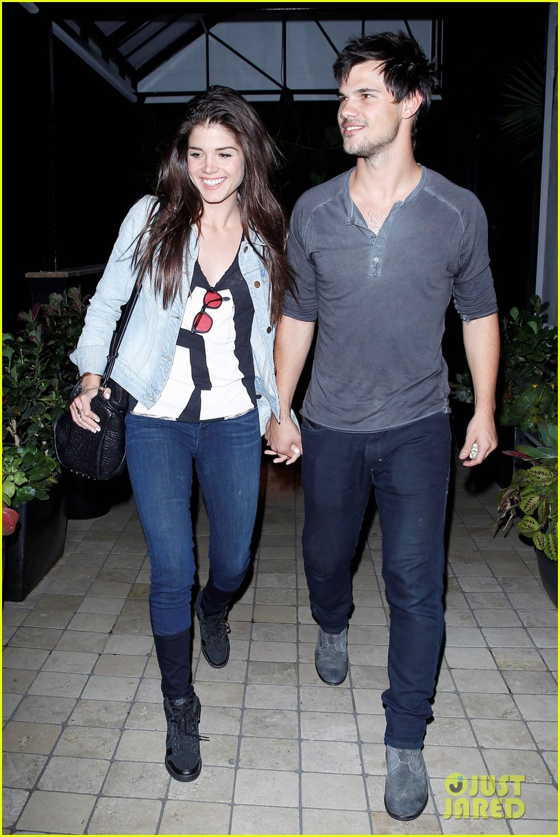 taylor lautner marie avgeropolous look so in love on dinner date 053071935