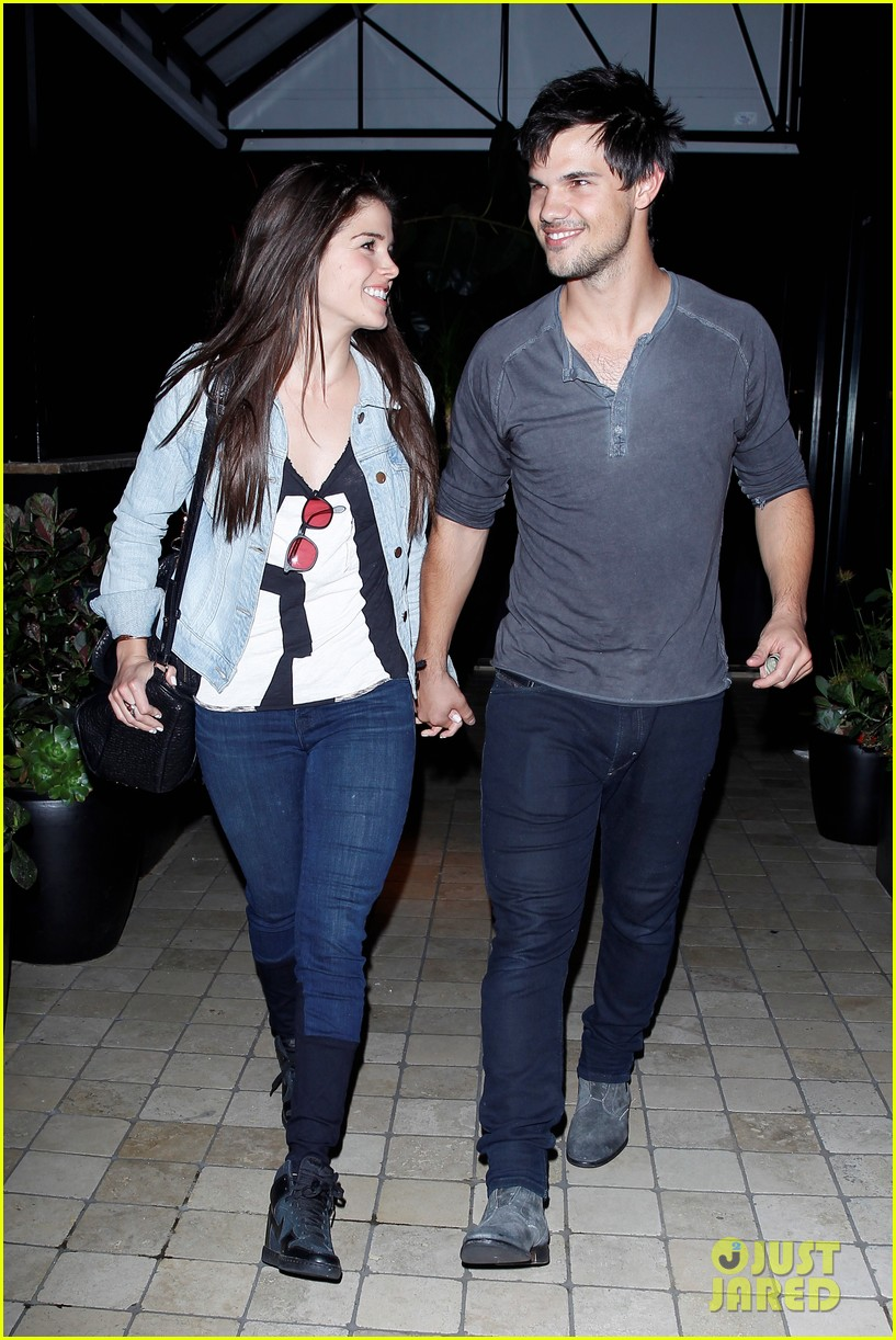 taylor lautner marie avgeropolous look so in love on dinner date 063071936