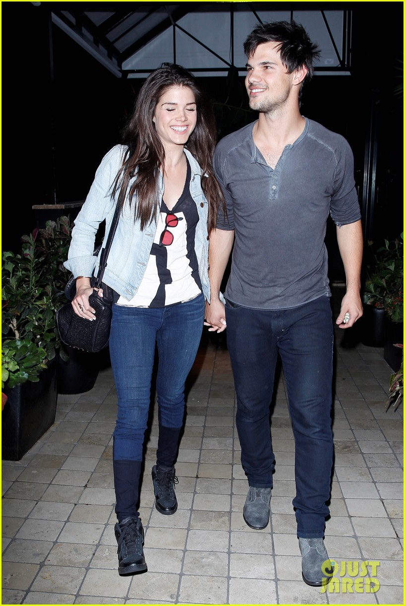 taylor lautner marie avgeropolous look so in love on dinner date 08