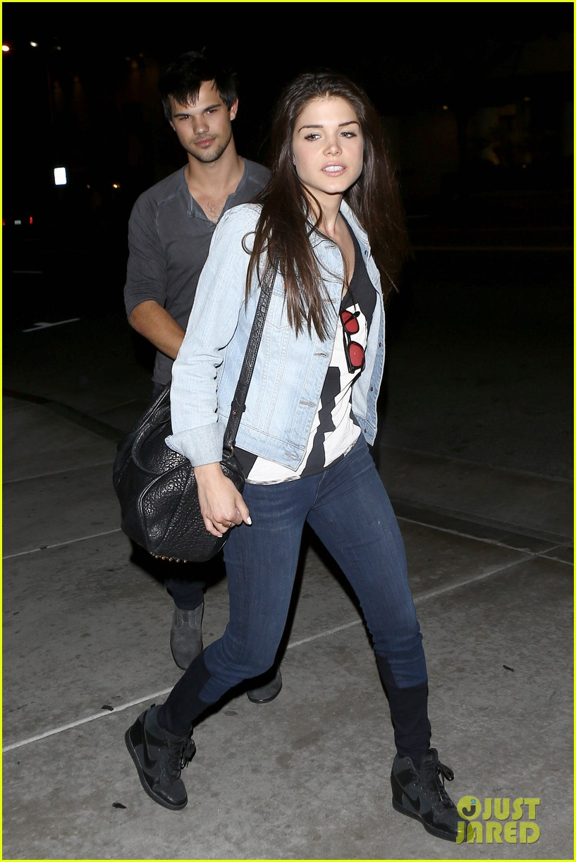 taylor lautner marie avgeropolous look so in love on dinner date 20