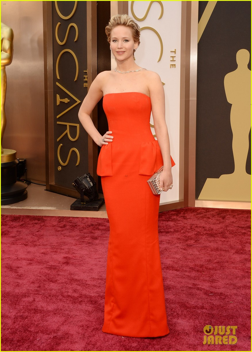 jennifer lawrence oscars 2014 red carpet 11