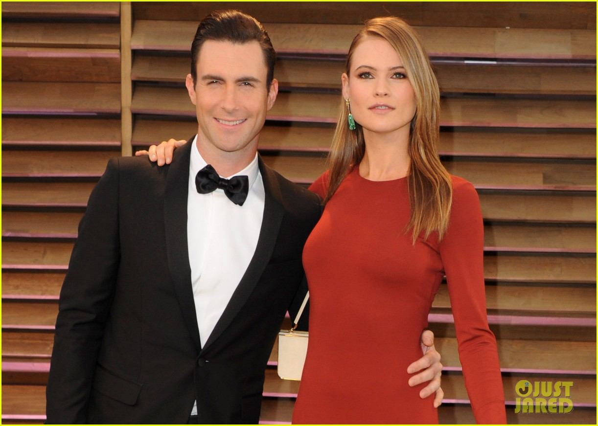 adam levine behati prinsloo vanity fair oscar party 2014 03