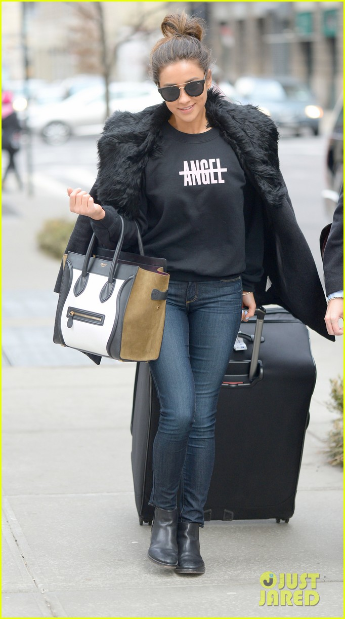 pretty little liars cast head out of nyc after big finale airing 13
