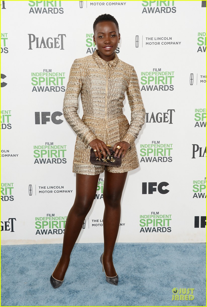 lupita nyongo brings mom dorothy to independent spirit awards 2014 01