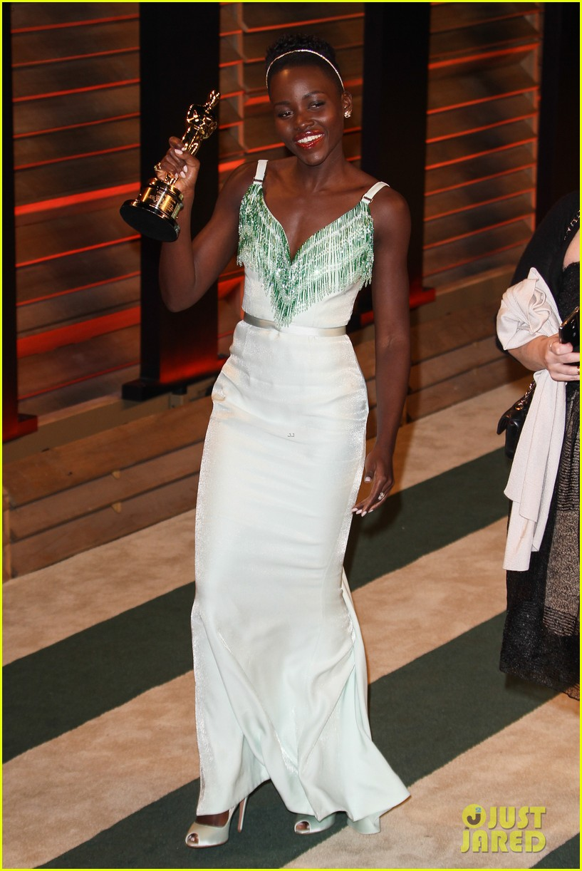 lupita nyongo vanity fair oscars party 2014 063064594