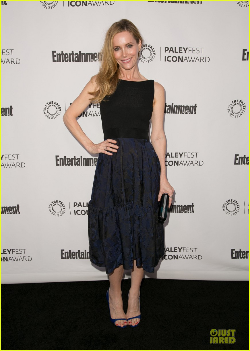 leslie mann support judd apatow at paleyfest 033070239