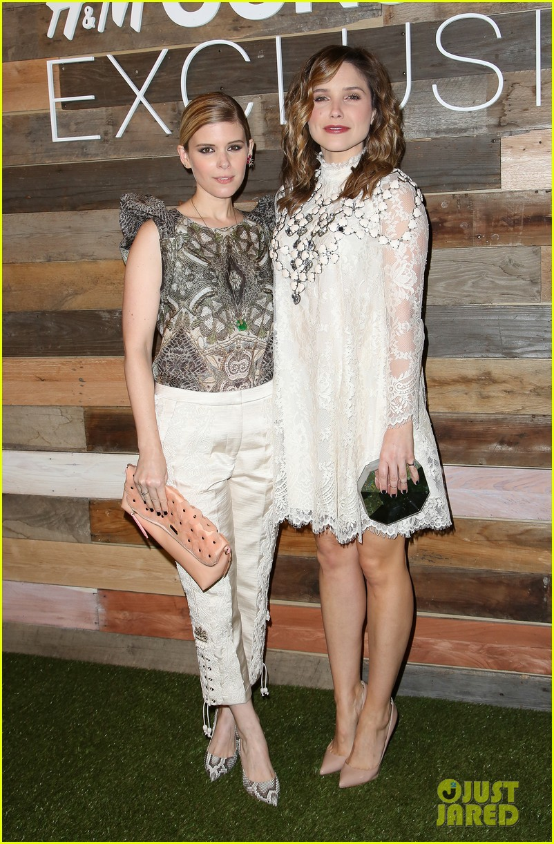 kate mara camilla belle hm conscious collection dinner 093075249
