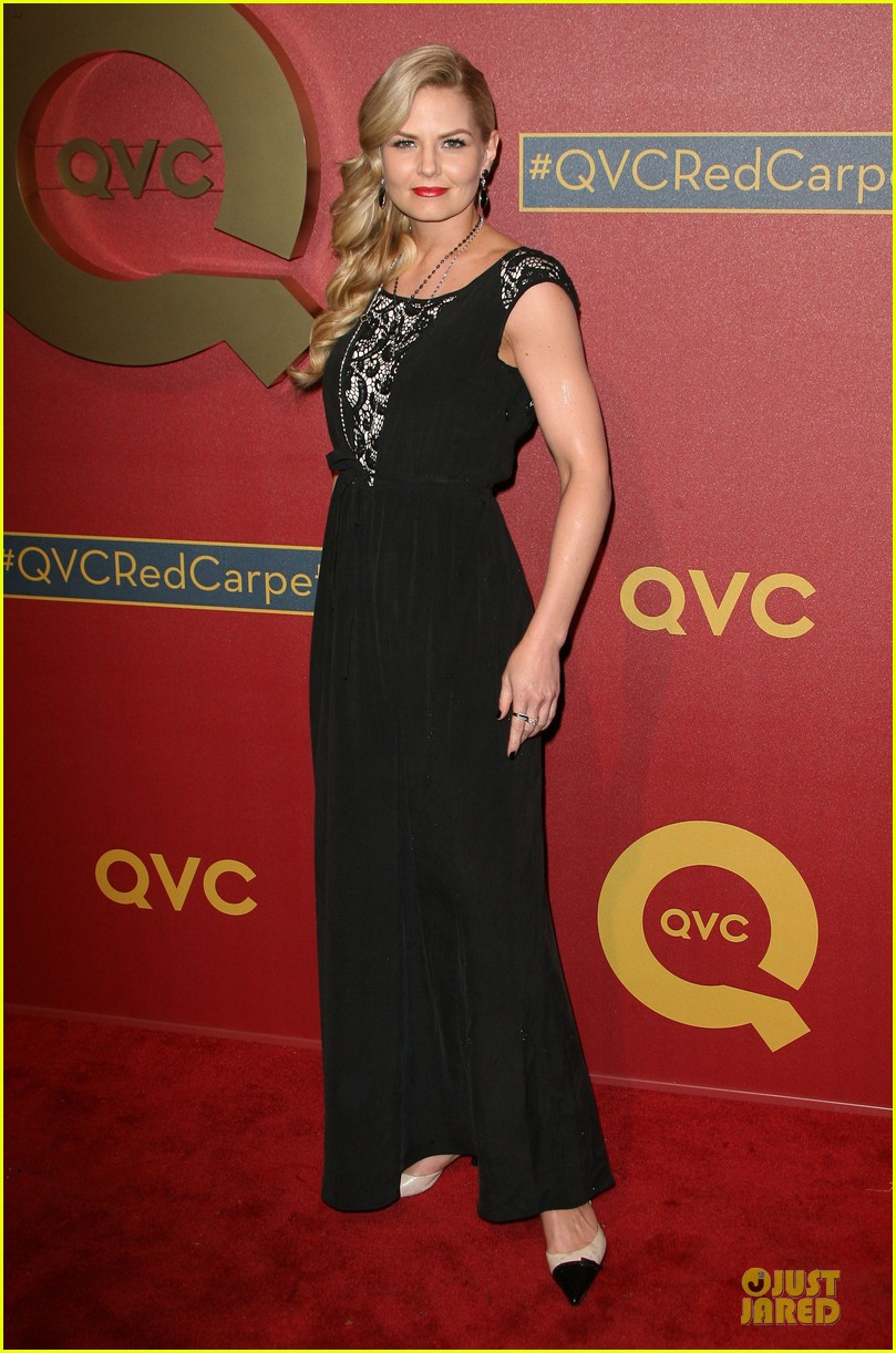 kate mara kat dennings qvc red carpet style event 16