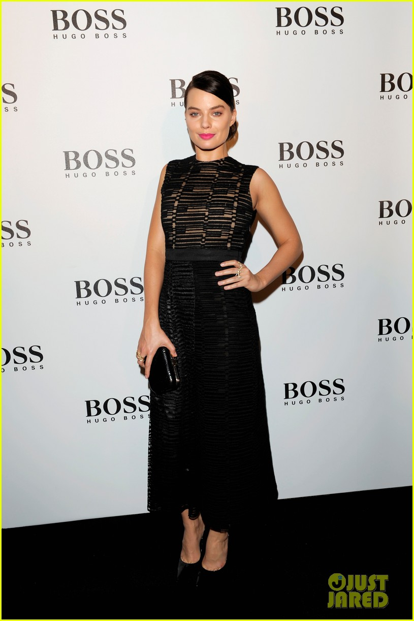 margot robbie helps jason wu celebrate his big night for hugo boss 033080525