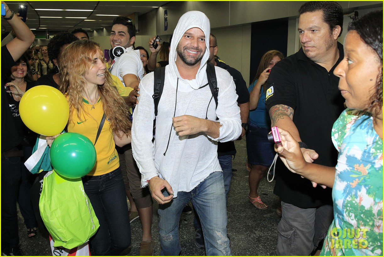 ricky martin to fans you deserve to be happy 113069329
