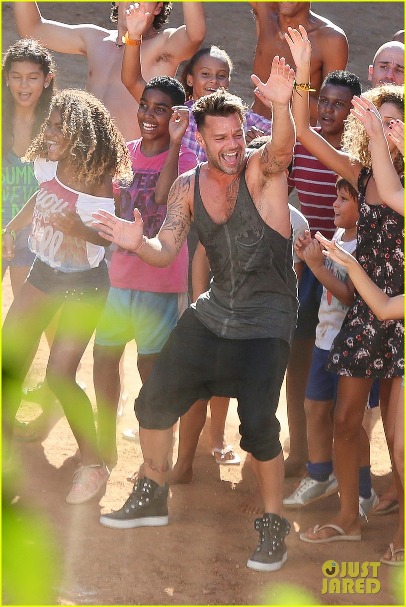 ricky martin films music video for world cup 03
