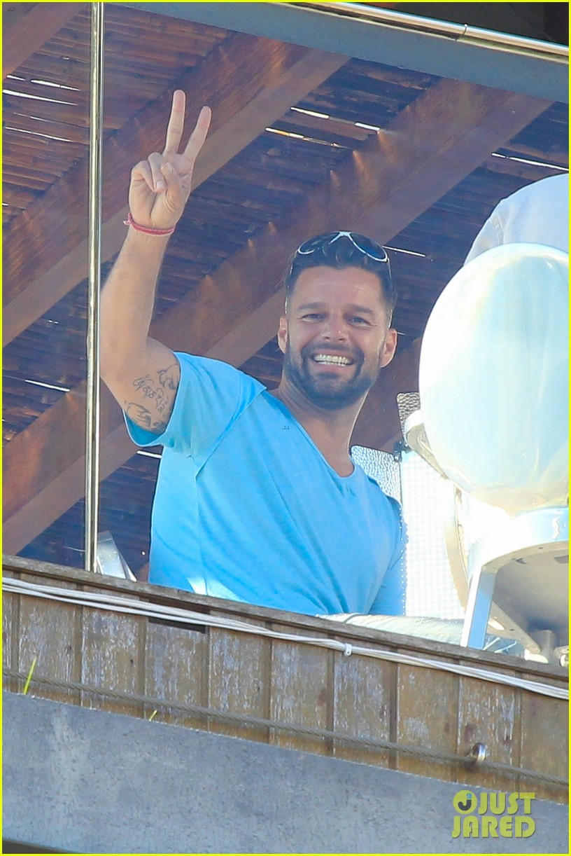 ricky martin films music video for world cup 05