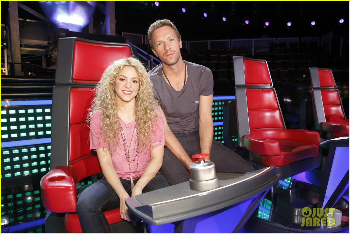 chris martin helps coaches on the voice 02