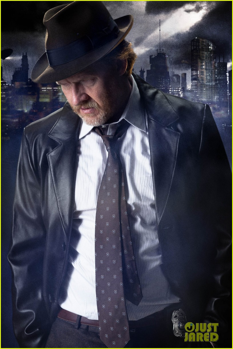 ben mckenzie donal logue gotham fight scene 033075859