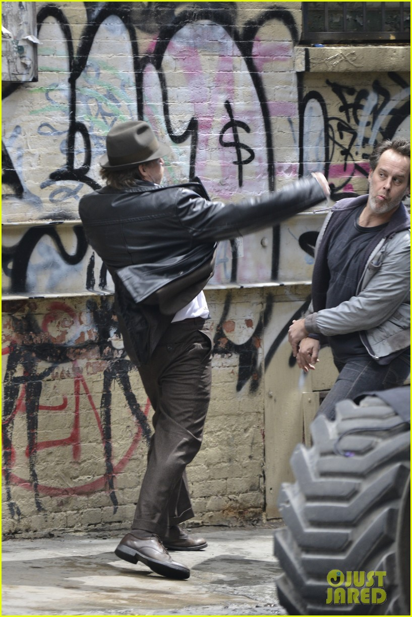 ben mckenzie donal logue gotham fight scene 05