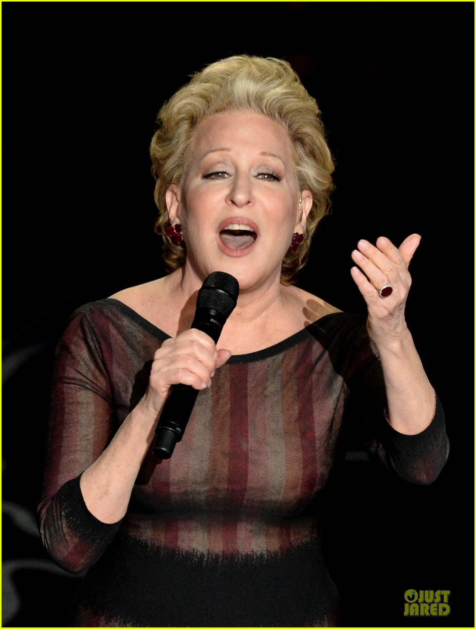 bette midler performs wind beneath my wings at oscars 2014 video 02