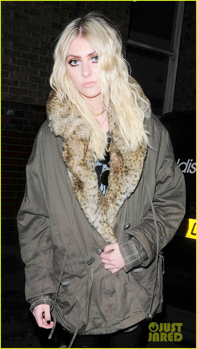 taylor momsen still disturbed by tampon string photos 08