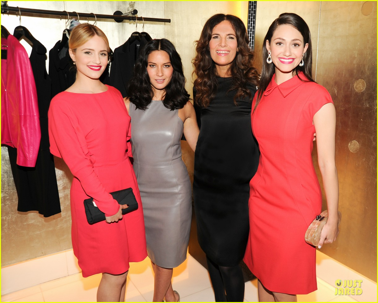 olivia munn dianna agron heat up martin scorsese oscars celebration 02