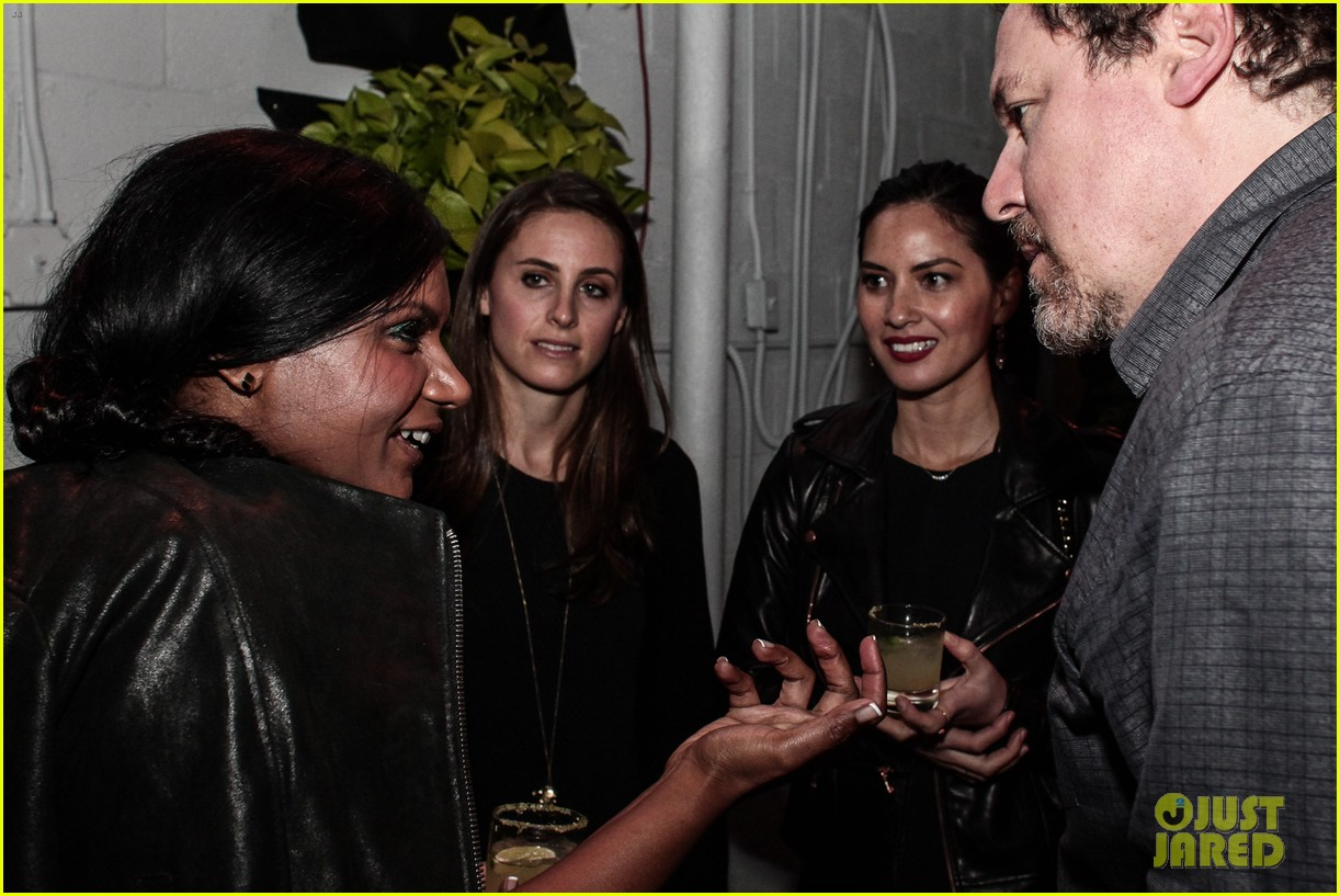 olivia munn mindy kaling marie claire sxsw dinner 07