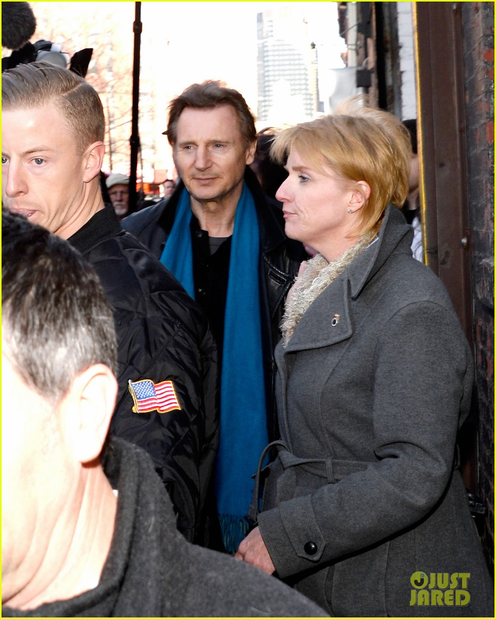 liam neeson horse drawn carriage support 02