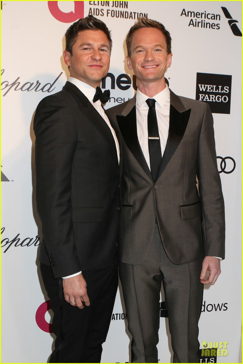 neil patrick harris david burtka are partners in crime at elton john oscars party 2014 023064259