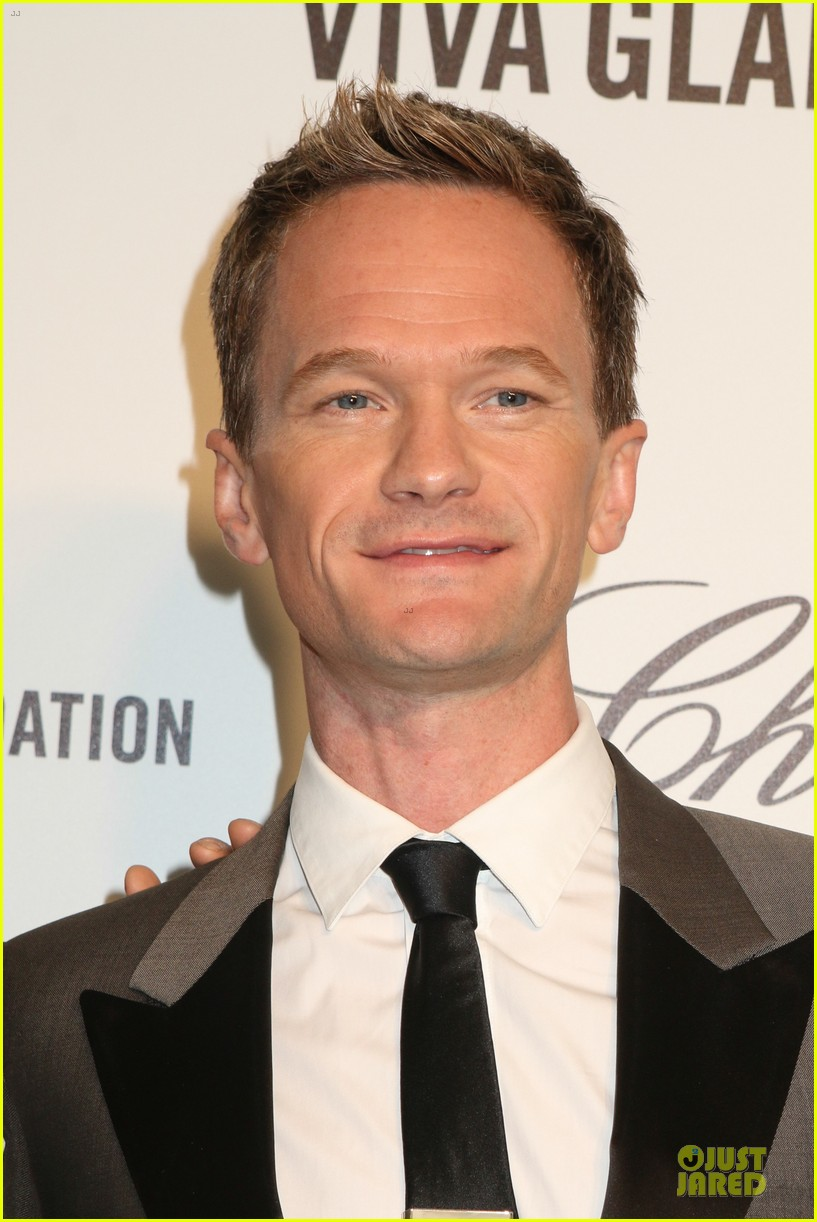 neil patrick harris david burtka are partners in crime at elton john oscars party 2014 043064261