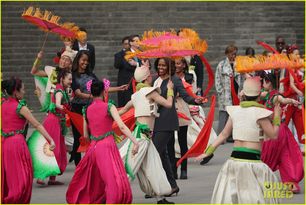 michelle obama jumps rope in china 15
