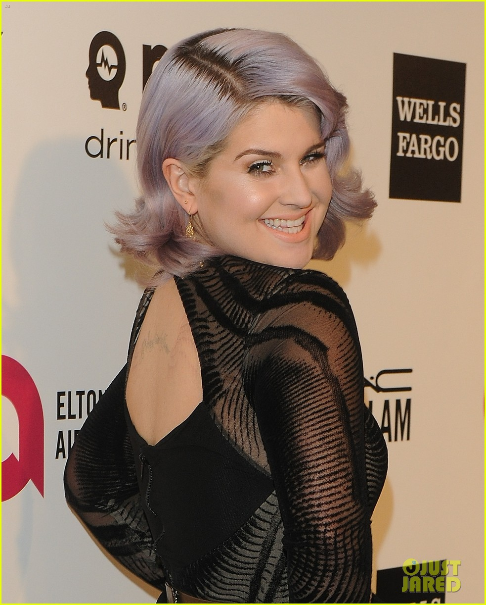 kelly osbourne elton john oscars party 2014 with mom dad 043064449