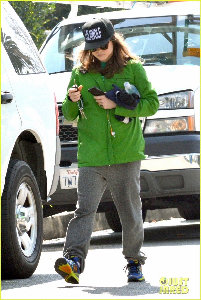 ellen page says she eats so she can poop 043067508