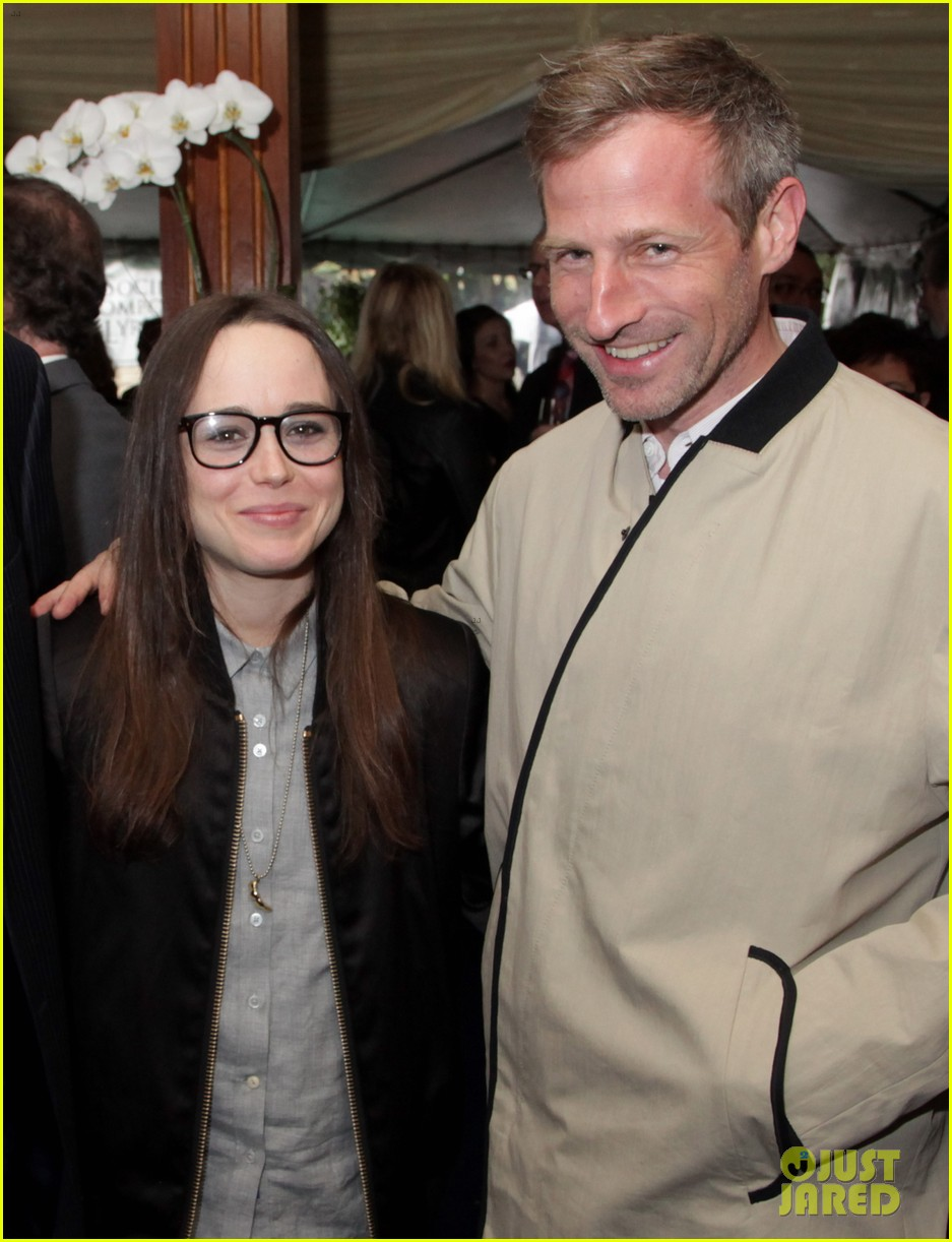 ellen page spike jonze is in love with his phone 03