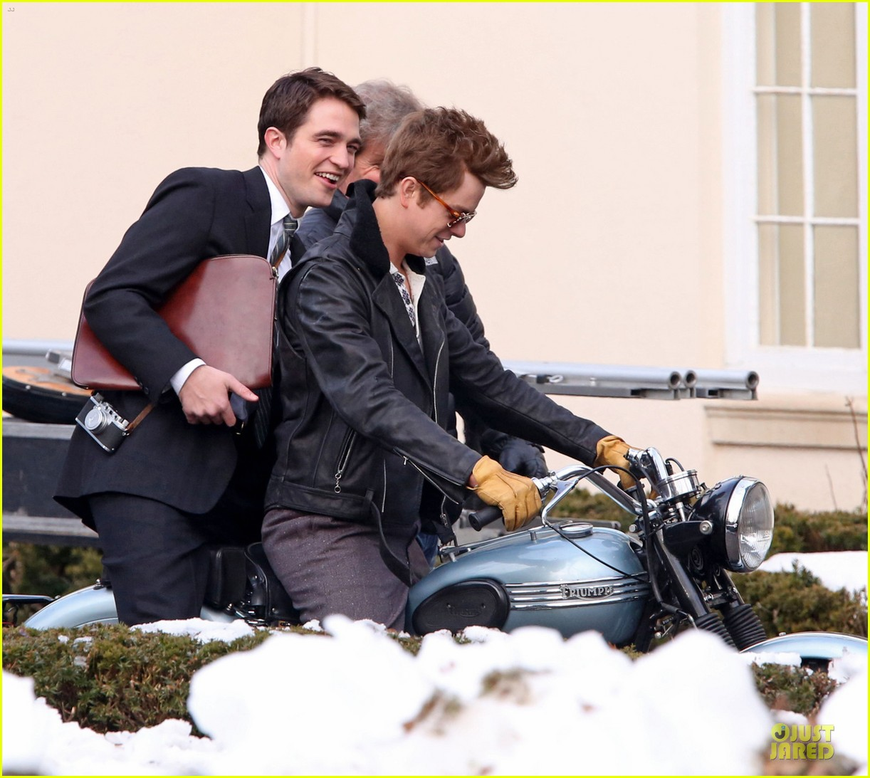 robert pattinson dane dehaan enjoy life on a motorcycle 02