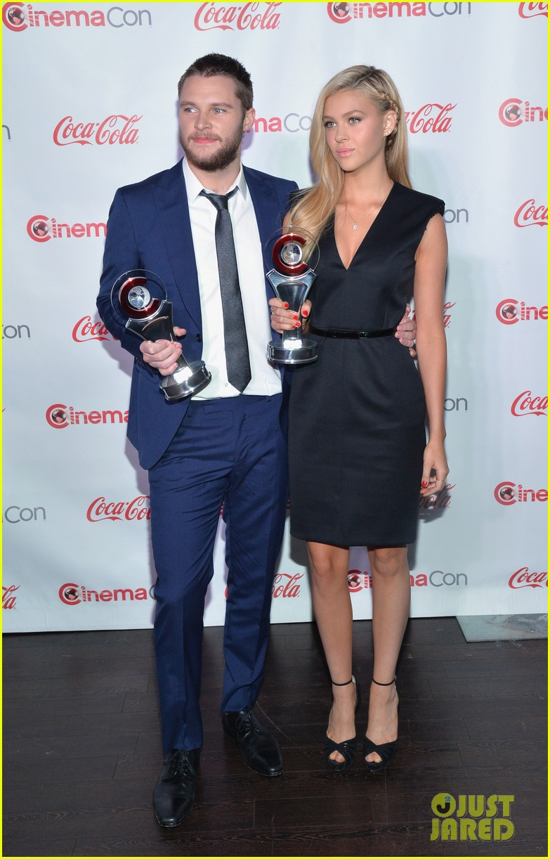 nicola peltz jack reynor cinemacon rising star of the year 19
