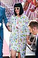 katy perry excites australian fans with her colorful spirit 01