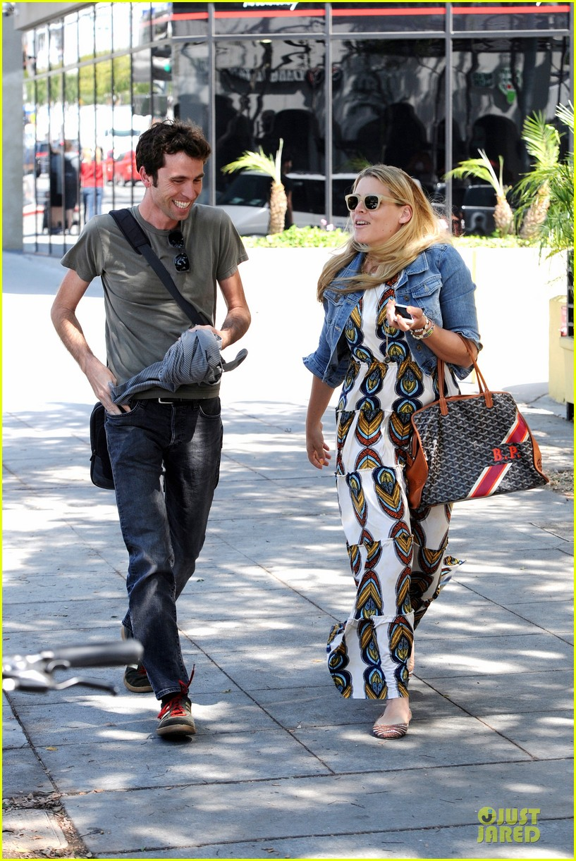 busy philipps singing is thrilling adventure 12