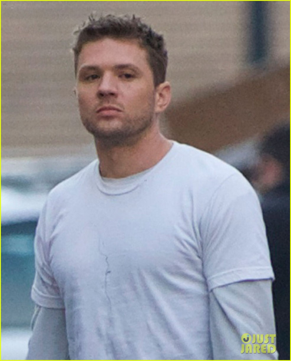 ryan phillippe films new pilot too many layers 023075600